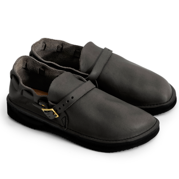 [AURORA SHOE CO.] Middle English _ Black